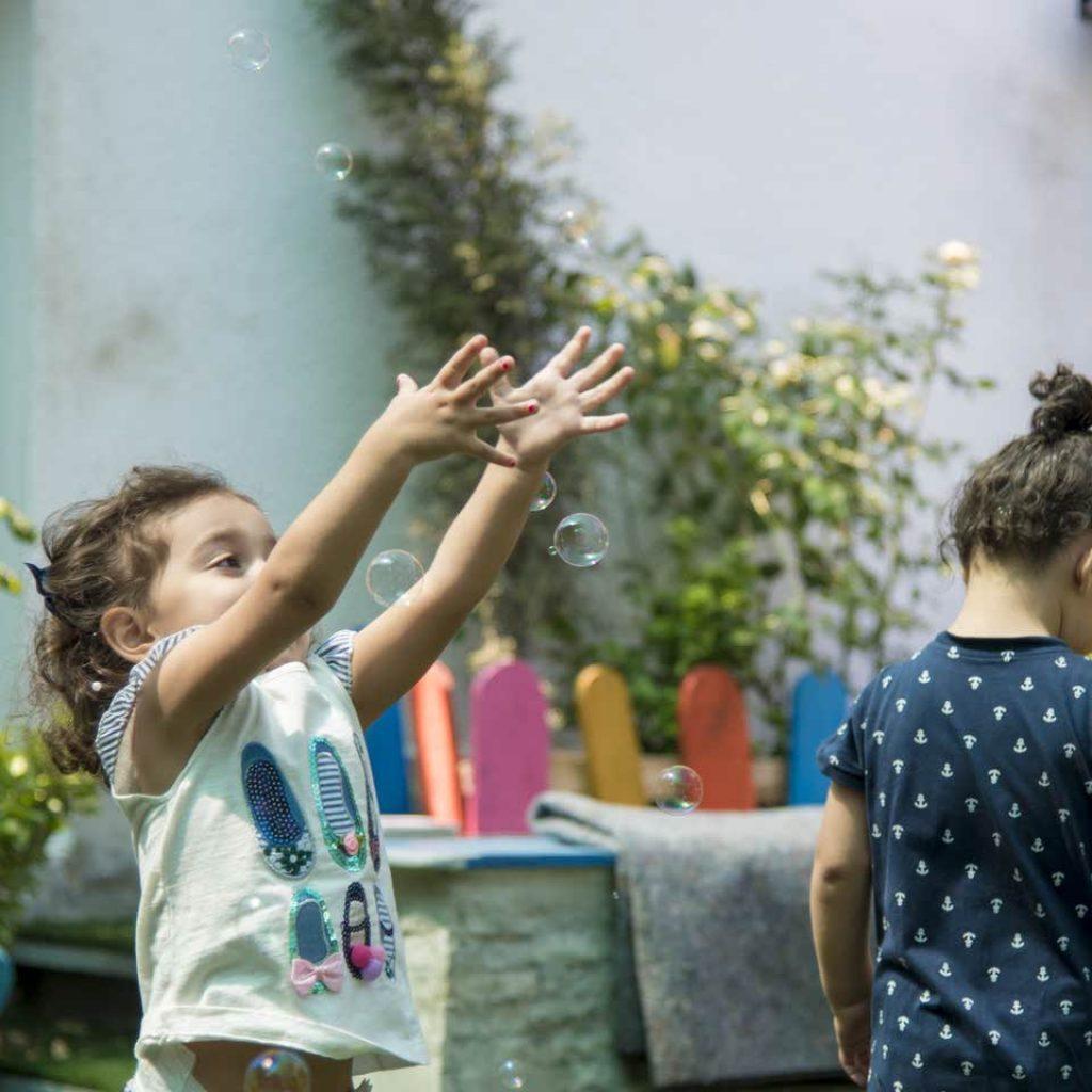 حباب بازی کودکان