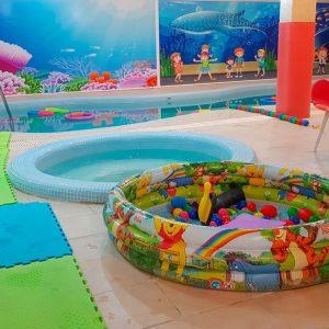 آموزش شنا در مهد کودک